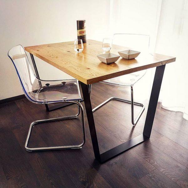 Table bois acier helcé